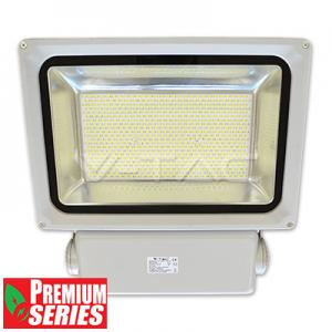 v-tac  FARO LED 300W BIANCO FREDDO DA ESTERNO SMD LED5386/home/nhnkwszl/public_html/img/thumb/300/5386.jpg